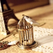 Bird Cage Pendant Necklace – Vintage Style Pearls – Exquisite
