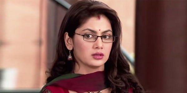 Pragya To leave the Mehra house in Kumkum Bhagya!  Read More: http://tellygossips.me/pragya-leave-mehra-house-kumkum-bhagya/