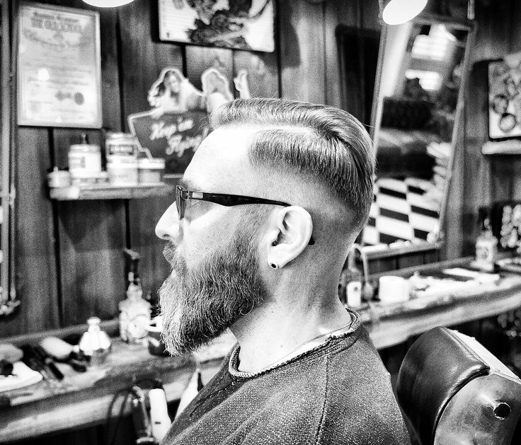 Lovely work 🤘🏼Haircut & Beardshave/trim by Sabrina from @marcoilfigarobarbiere #hair #men #menshair #menstyle #mensfashion #menfashion #beard#hair#fade#gentleman #service#zurich #zurichbarber #barber #barbershop #barberzurich #marcoilfigaroebarbiere #sabrina#london#losangeles #switzerland #friends#love#work #wood #oldschool #barbering