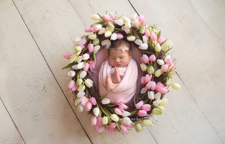 newborn photography, newborn photographer, newborn floral wreath, spring baby photos, baby tulips