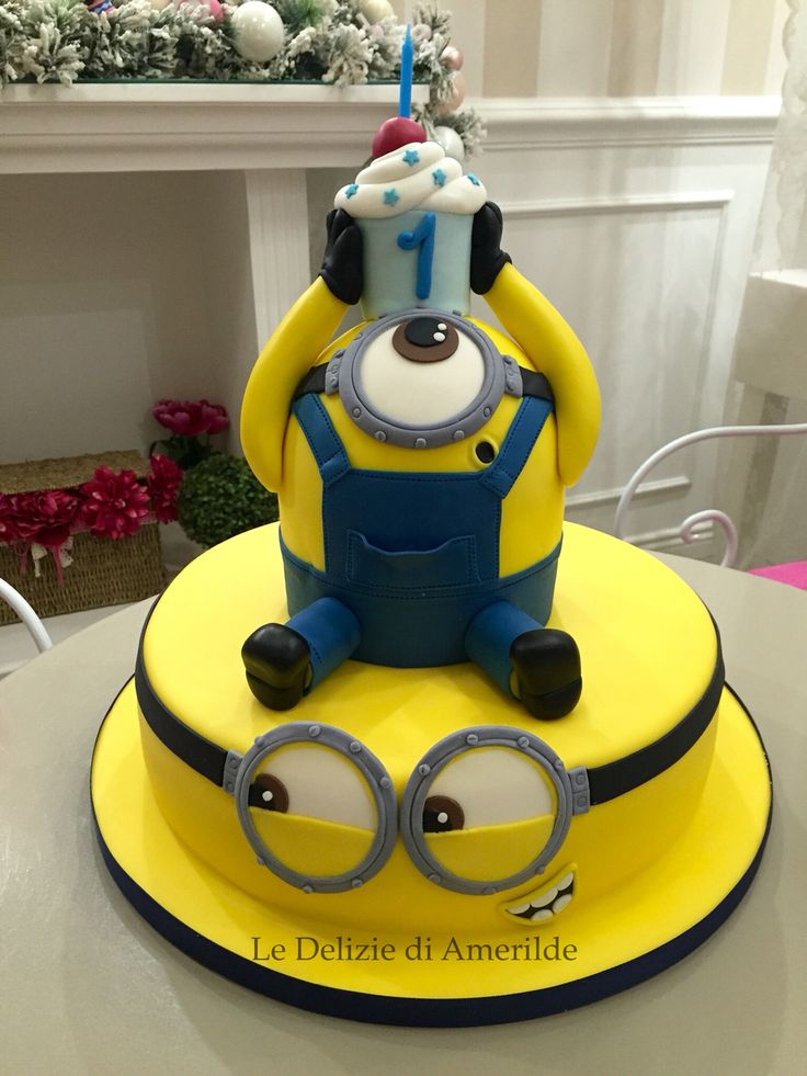 Le Delizie di Amerilde. Minion cake Baby cake www.ledeliziediamerilde.it