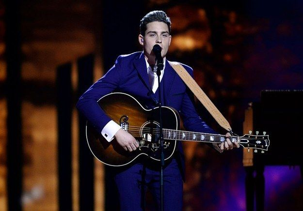 First off there's Douwe Bob (the Netherlands) who looks like a young Johnny Cash.