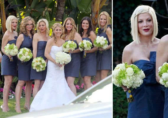 Love these bouquets: White Flowers, Green Bridesmaids, Celebrity Bridesmaid, White Bouquets, Hair Colors Cut, Blue Bridesmaid Dresses, Tory Spelling, Bridesmaid Bouquets, Colors Ideas