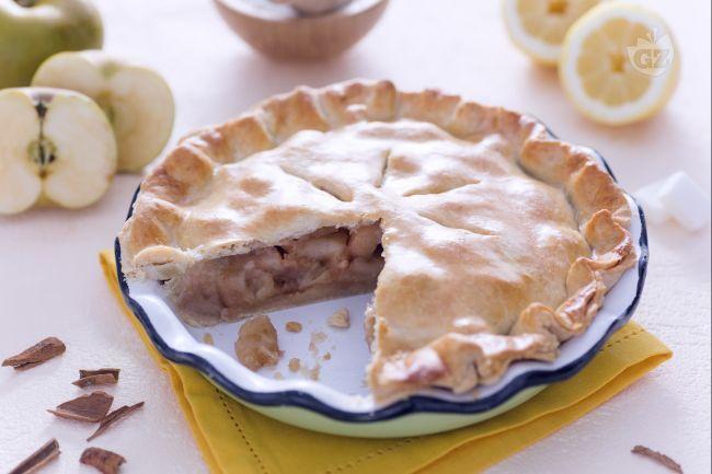 La Apple Pie, nota come American Pie, è un tipico dolce americano: una torta golosa ripiena di mele aromatizzate con cannella, limone e noce moscata.