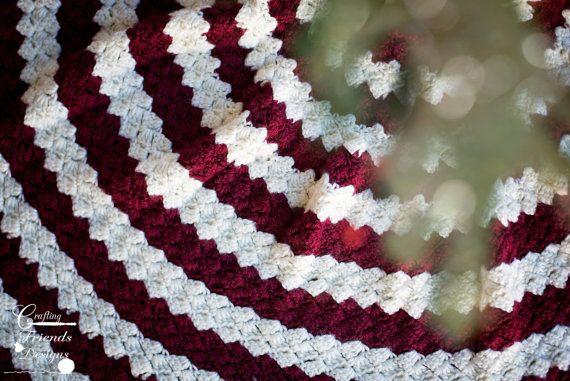 Crochet Pattern: Diamond Christmas Tree Skirt, Warming, Beautiful, Fun