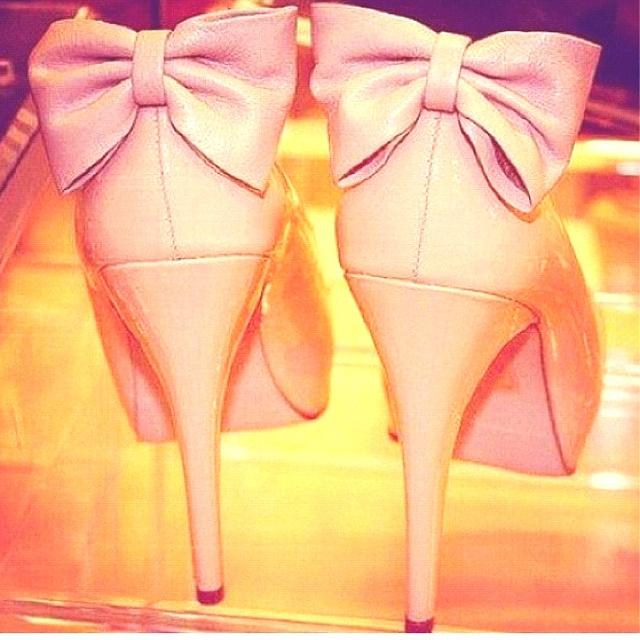 bows & heels. TSM.
