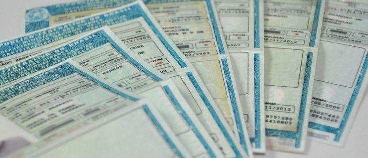 Segunda via da CNH pode ser solicitada online ao Detran -   O motorista que precisa da 2ª via da Carteira Nacional de Habilitação (CNH), seja por motivo de perda, furto, roubo ou mau estado de conservação, pode solicitar o documento de forma online, sem sair de casa. O Departamento Estadual de Trânsito de São Paulo (Detran.SP) oferece o serviço - http://acontecebotucatu.com.br/geral/segunda-via-da-cnh-pode-ser-solicitada-online-ao-detran/