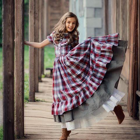 """Наш невероятно красивый фотопроект """"Канзас"""" 🤠.  Костюмы @littlebiggirl.dress Фотограф @olgagladkova.  Модель  @aleksa_olek.  #дикийзапад #littlebiggirl #libi #винтаж #вестерн #винтажныйстиль #wildwest #kanzas #фотореквизит #винтажныеплатья #кантри #кантристиль #ковбойскаявечеринка #ковбойскийстиль #cowgirl #western #павлова_гладкова_творят #вестернстиль"""
