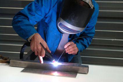 Aluminium zu schweißen ist schwieriger als alle anderen Schweißverfahren da es sich grundlegend von allen unterscheidet.