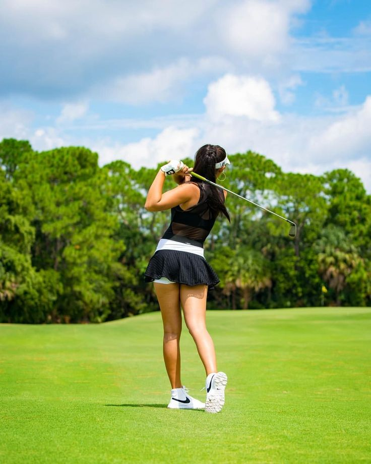 """225 Likes, 10 Comments - HANNAH 