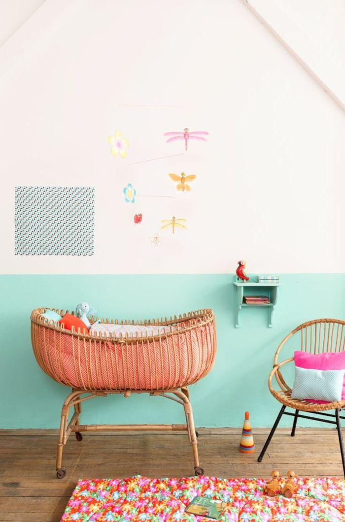 chambre bebe complete, jolie chambre bébé mixte.mur sous pente dans la chambre bebe