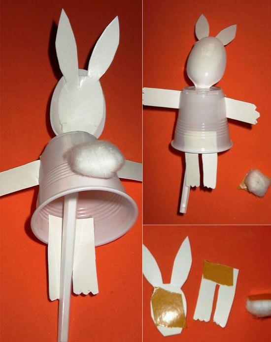 Hoy vamos a aprender a hacer un títere de conejo muy fácil con materiales reciclados. Un títere de palo casero gracias a Dolors Todolí, la cual nos asombra con la facilidad que crea una marioneta con cualquier material.  Para...