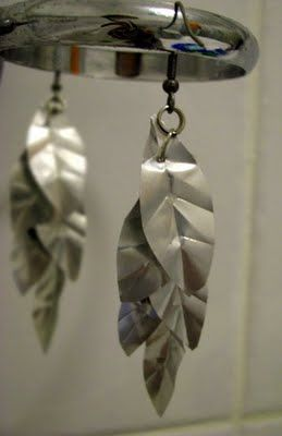 DIY earrings from an aluminum can