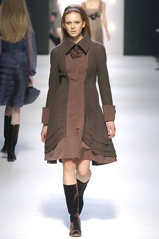 Alberta Ferretti Fall 2005 Ready-to-Wear Fashion Show - Elise Crombez