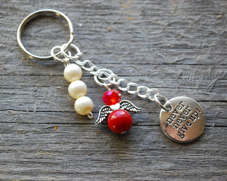 Never give up keychain with a red beaded angel and pearls - Angel key chain with the text never give up and acrylic pearls - motivation gift by leonorafi on Etsy