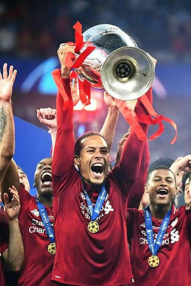 UEFA Champions League Trophy Pin