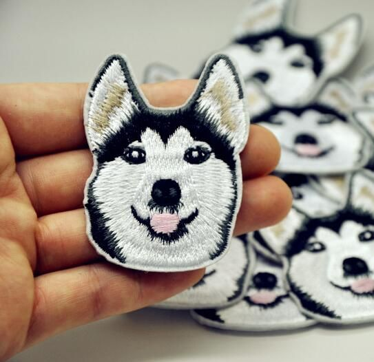 1Pcs Husky Dog Embroidered Patch Iron On Patch Sewing Applique Badge Clothes Patch Stickers Apparel Craft Sewing Accessories