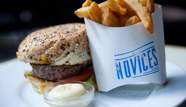 Les Novices - Brasserie cool. M° Lamarck-caulaincourt Tel :01 42 64 71 37 123 Rue Caulaincourt 75018 Paris
