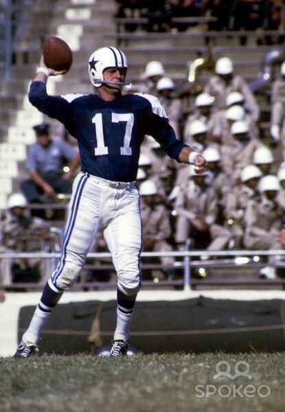 The first quarterback for the Cowboys was Don Meredith