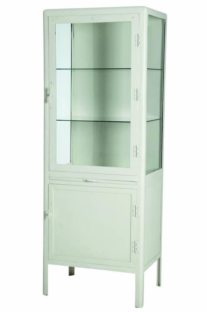 Witte ijzeren dokterskast van House Doctor met vitrine.