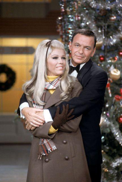 Vintage Christmas - Frank & daughter Nancy Sinatra. ♥