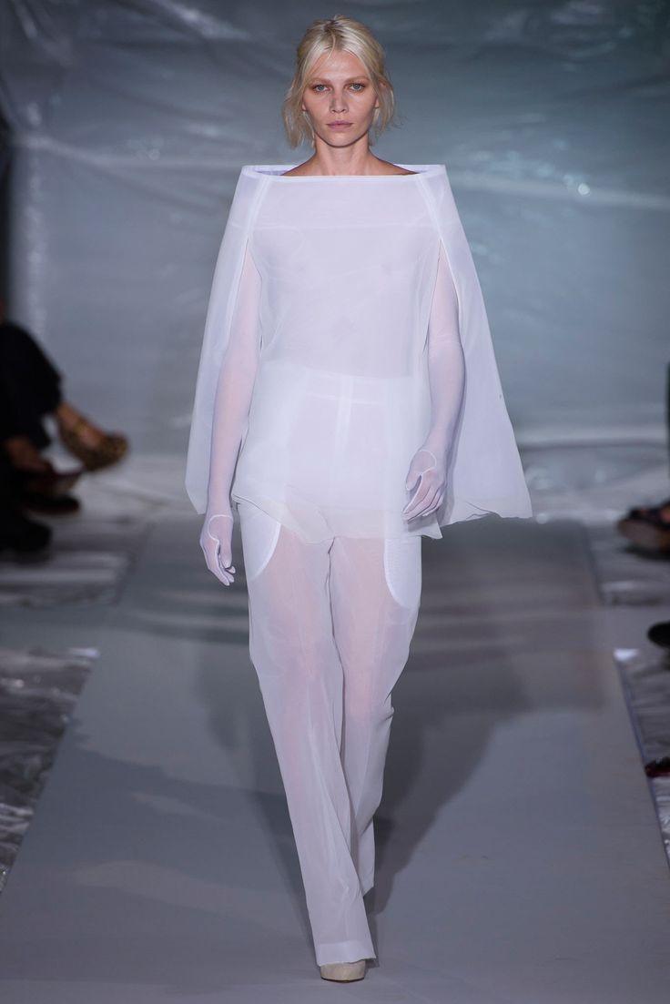 Maison Margiela Spring 2013 Ready-to-Wear Fashion Show - Aline Weber (Next)
