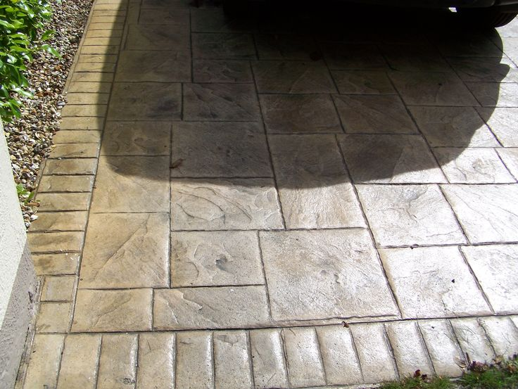 Grand Ashler Slate Sandstone & Charcole with brick Border