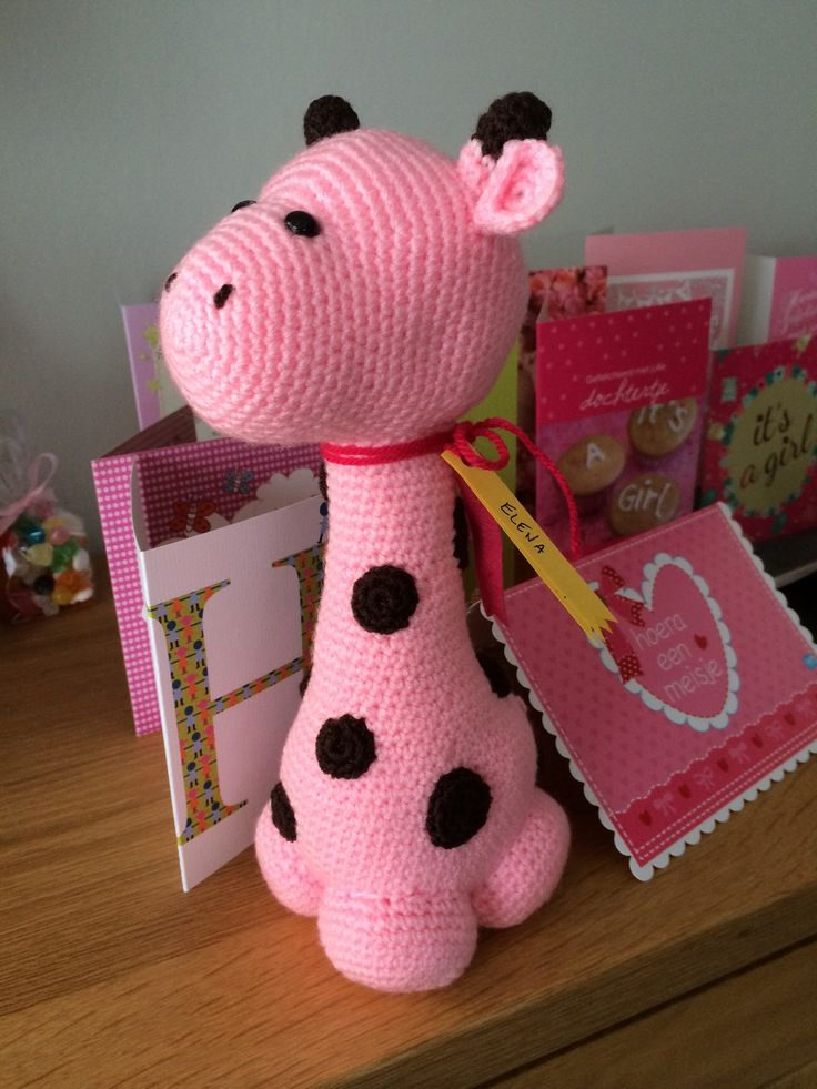 I made this pink giraffe as a gift for a birth #crochet