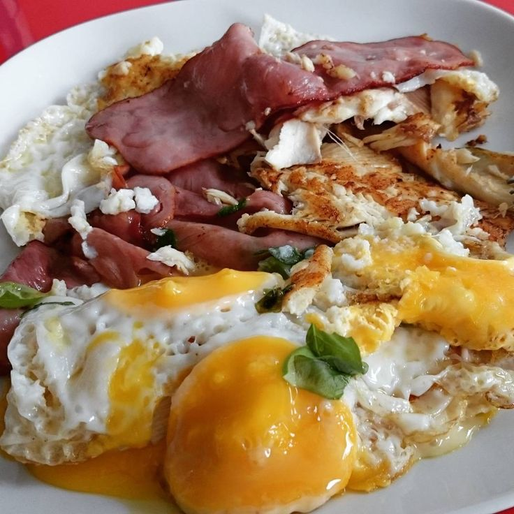 5 minutes office meal #eggs #chickenbacon #fish #cheese #basil #instafood #instagood #instafoto