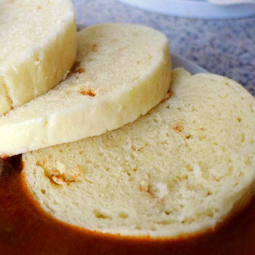 Chutný houskový knedlík je možné připravit také bezlepkový a bez přidané sóji