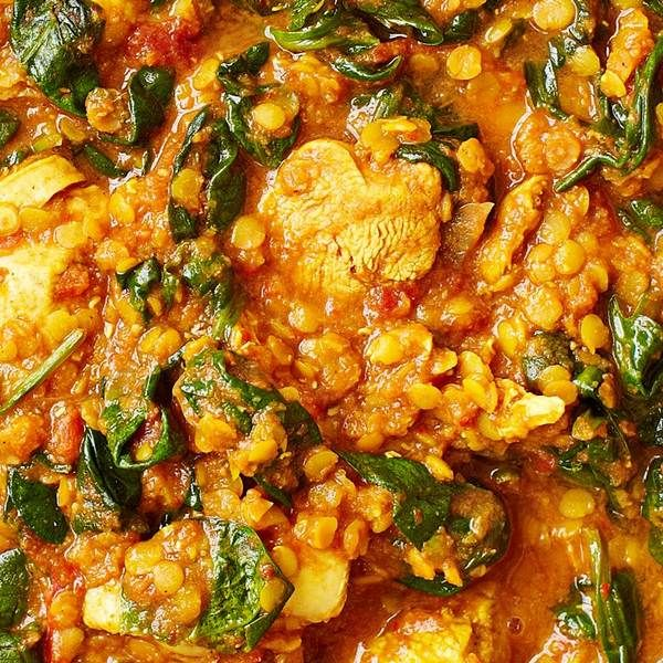 Chicken Saag: This chicken saag recipe proves that you can eat healthily without having to miss out on your favorite foods. It comes in at under 500 calories and is ready in under an hour.