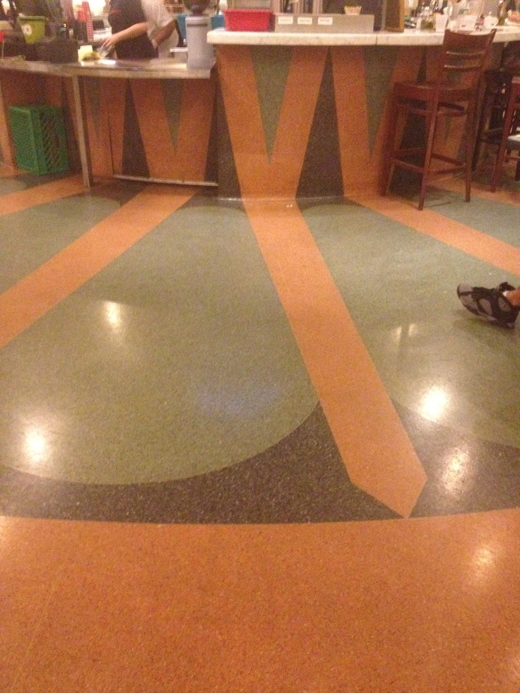 Kinda like how the floor design goes up the bar (downstairs in Grand Central)