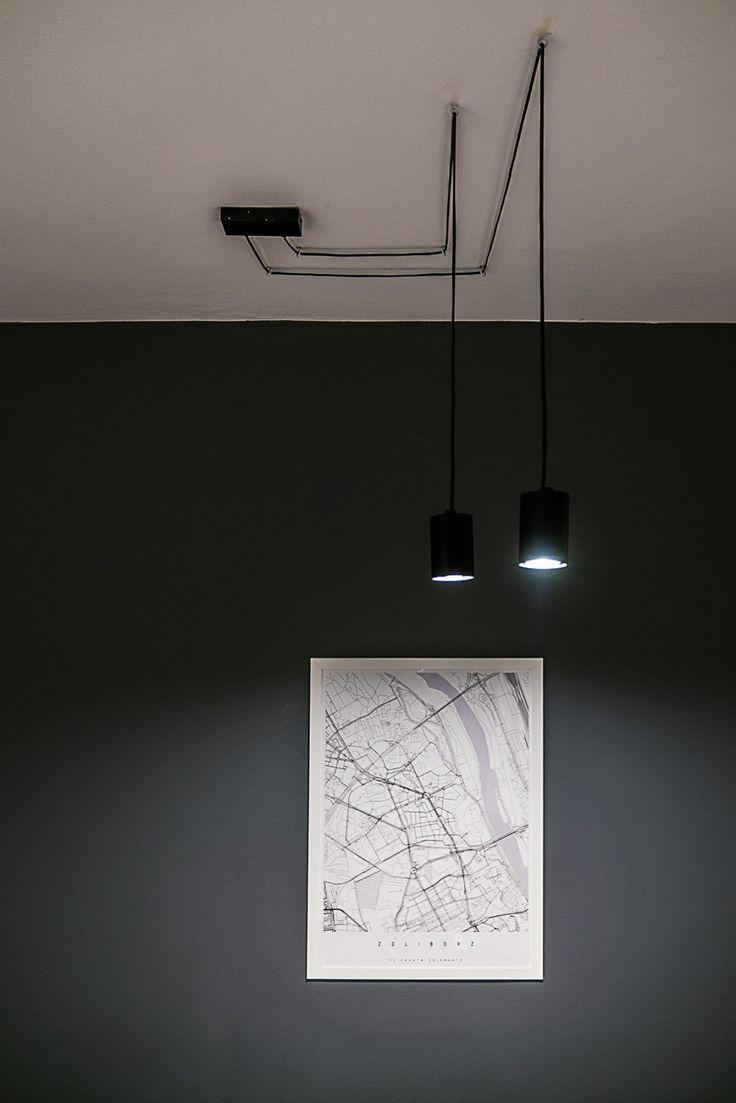 BIURO ARCHITEKTA minimalistyczne lampy | tryc.pl #lighting #office #map #interiorsdesign #grey #wall #interiors #interiordesign