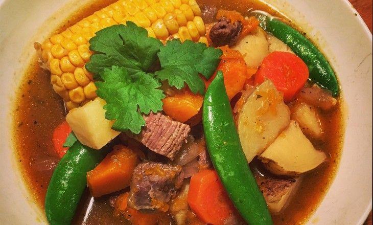 Carbonada är chilensk köttsoppa som är otroligt god och passar perfekt under denna blöta, kalla årstid!
