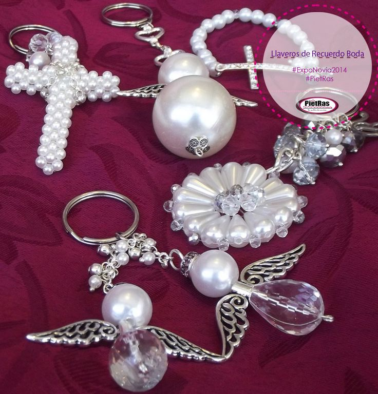 Llaveros de perlas como recuerdos para boda, detalles especiales para momentos especiales.  #DetallesEspeciales #ExpoNovia