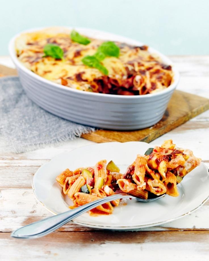 Kinkku-pennelaatikko on maukas ja edullinen arkiruoka koko perheelle. Täysjyväpasta tuo ruokaan kuitulisän ja mukavan viljaisan maun.