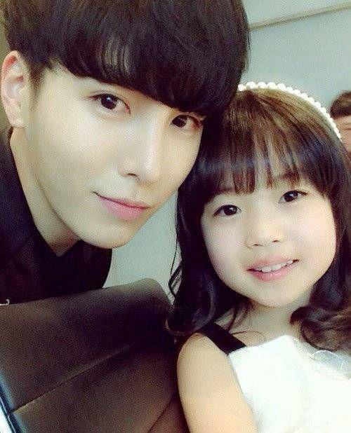 Noh Min Woo & Kim Yoo Bin takes new selca | Koogle TV
