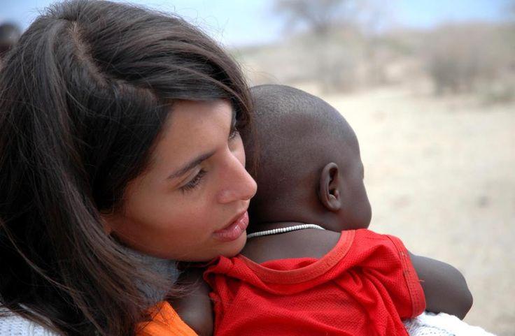 CATERINA MURINO, attrice e ambasciatrice mondiale dell'AMREF, ONG impegnata in Kenia e in tutta l'Africa in numerosi interventi di scolarizzazione e sviluppo sanitario. Sosteniamo insieme a lei il progetto #STANDUPFORAFRICANMOTHERS e rendiamo omaggio a tutte le coraggiose donne d'Africa. A lei sono dedicati gli ovis mollis della nostra Testimonial Maria Romano http://www.pecorinosardo.it/ovis-mollis-salati-e-tricolori-al-pecorino-sardo-dop-maturo-by-maria-romano/