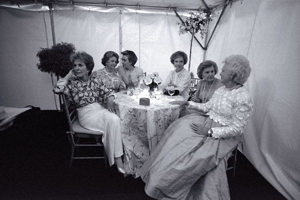 Nancy Reagan, Lady Bird Johnson, Hillary Clinton, Rosalynn Carter, Betty Ford and Barbara Bush