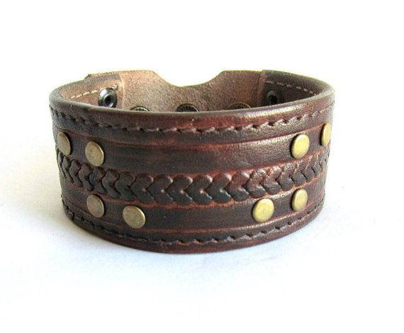 Mens leather cuff bracelet brown leather by Bravemenjewelry