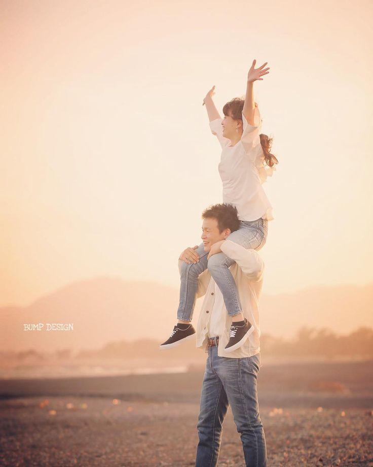 #静岡ロケーション前撮り . . 静岡市でのロケーション前撮りは私服撮影で終了 . 動きにくい和装や大切なドレスでは出来ない事も . 私服ならなんでもできる . 愛する人ならなんでもできるはず . . . #新郎さんすいません翌日大丈夫でしたか #何でもしてくれてありがとうございます #でもお二人なら何でも出来ると思いました笑 . #結婚写真 #花嫁 #プレ花嫁 #卒花 #結婚式 #結婚準備 #ロケーション前撮り #カメラマン #ウェディング #前撮り #結婚式前撮り #写真家 #ゼクシィ #名古屋花嫁 #和装前撮り #持ち込みカメラマン #ウェディングフォト #2017春婚 #結婚式レポ #アサダユウスケ #赤いカメラ #日本中のプレ花嫁さんと繋がりたい #日本中の卒花嫁さんと繋がりたい #ウェディングニュース #weddingphoto #バンプデザイン