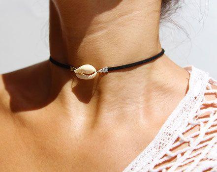 collier ras de cou coquillage