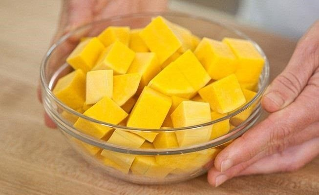 Getting butternut squash ready for a recipe is easy with this method. #DIY