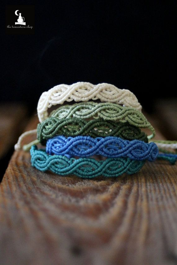 Macrame Bracelets in Many Colors handmade di TheTomentosaShop