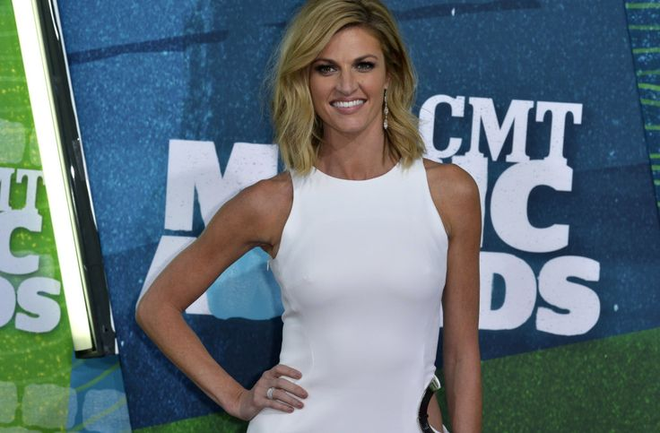 Did Erin Andrews confirm her engagement to L.A. Kings player Jarret Stoll?
