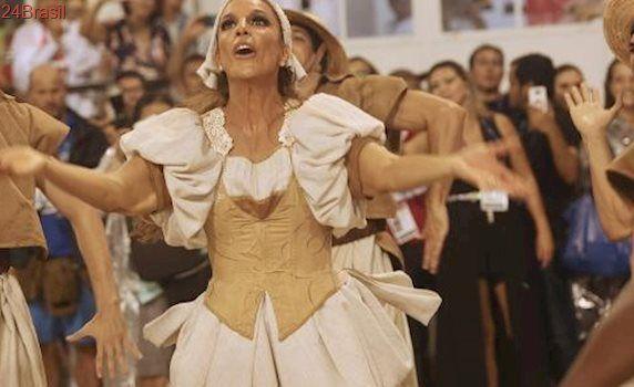 Levantou poeira na Sapucaí: Ivete Sangalo desfila na comissão de frente e dá show na Grande Rio
