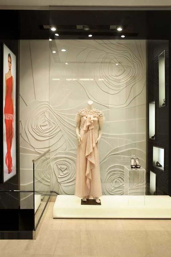 Love this rose relief wall