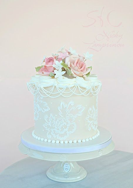 Sugar flowers Creations-Nicky Lamprinou: ROMANTIC LACE CAKE