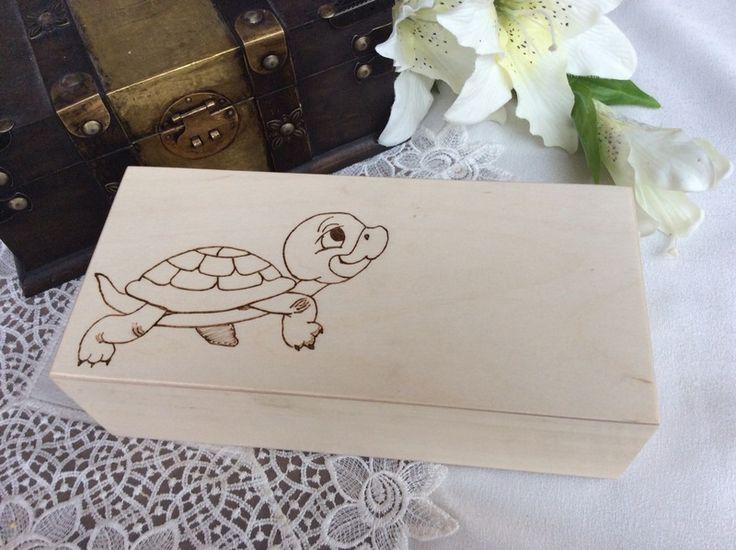 Große Holzschatulle, Stiftebox - Schildkröte von Das Bastelimperium spendet 10% des Erlöses den armen Kindern in Afrika! auf DaWanda.com