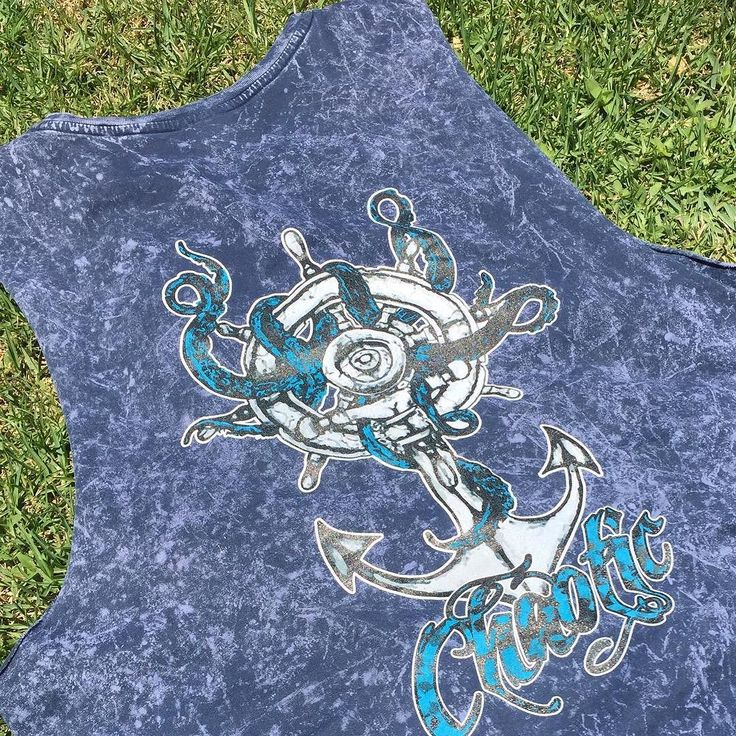 Fridays in summer mean lunch and a beer on the grass in the sun  in a #gochaotic muscle tee of course in acid wash with the #krakken design . . . . #streetwear #streetfashion #surfwear #skatewear #northernbeaches #manly #surf #skate #muscletee #muscletank #acidwash #acid #chaoticlothing #sydneyfashion #clothinglabel #chaos